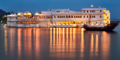 Up.tours - 1 Day Udaipur Local Sightseeing Tour by Cab