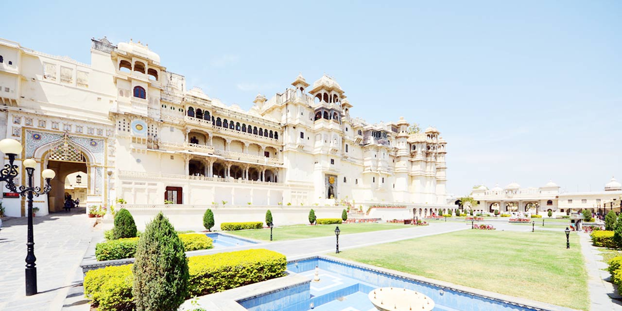 City Palace, Udaipur Tourist Attraction