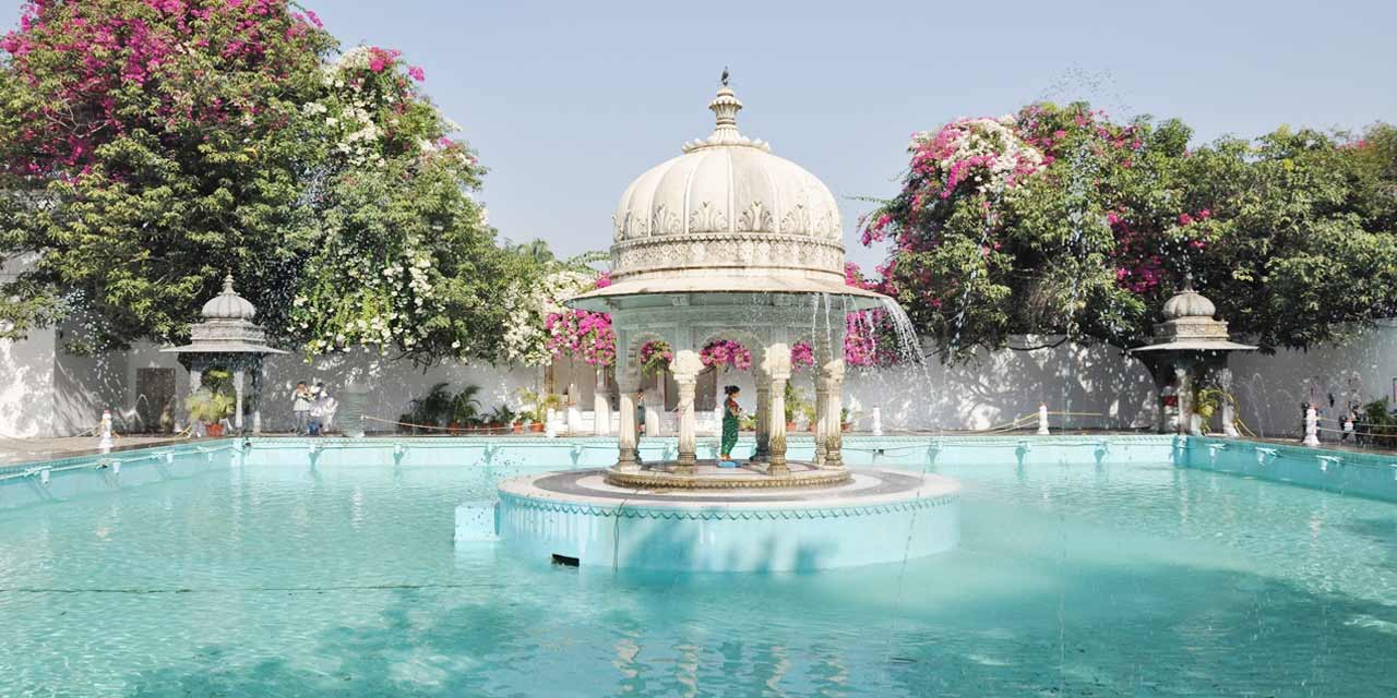 https://udaipurtourism.co.in/images/places-to-visit/headers/garden-of-the-maidens-sahelion-ki-bari-udaipur-indian-tourism-entry-fee-timings-holidays-reviews-header.jpg